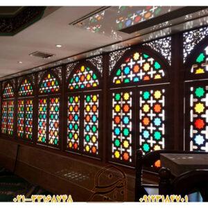 پنجره گره چینی با طلق رنگی